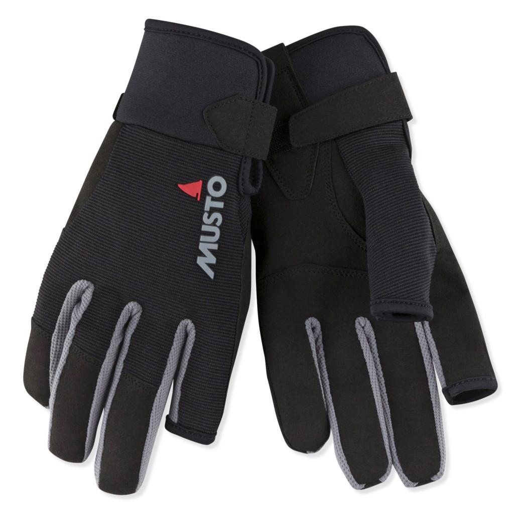 Handschuhe sind wichtig zum Segeln