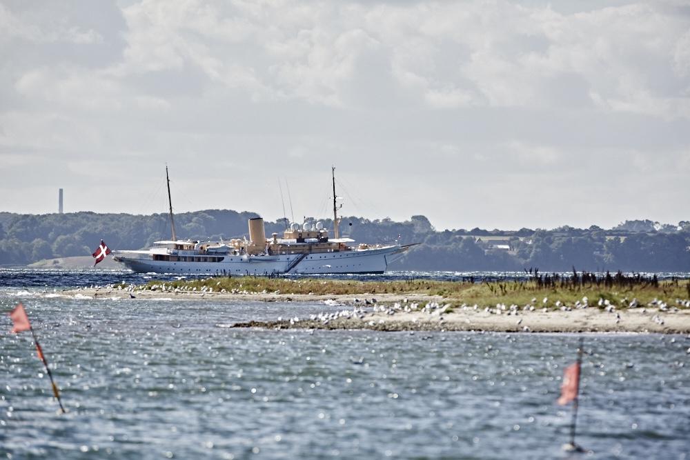 Yacht des dänischen Königs auf der Ostsee vor Dyvig