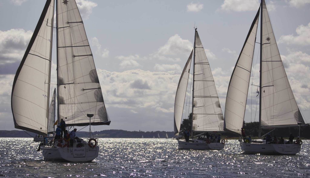 Segelschiffe mit Seglern auf der Ostsee