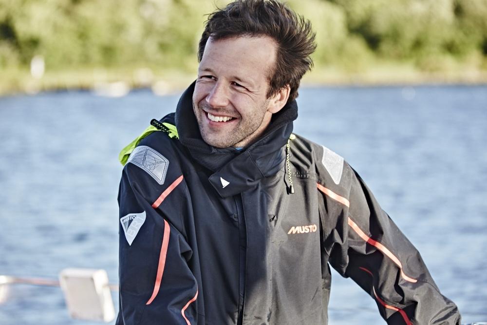 Segler in Segelbekleidung auf der Ostsee