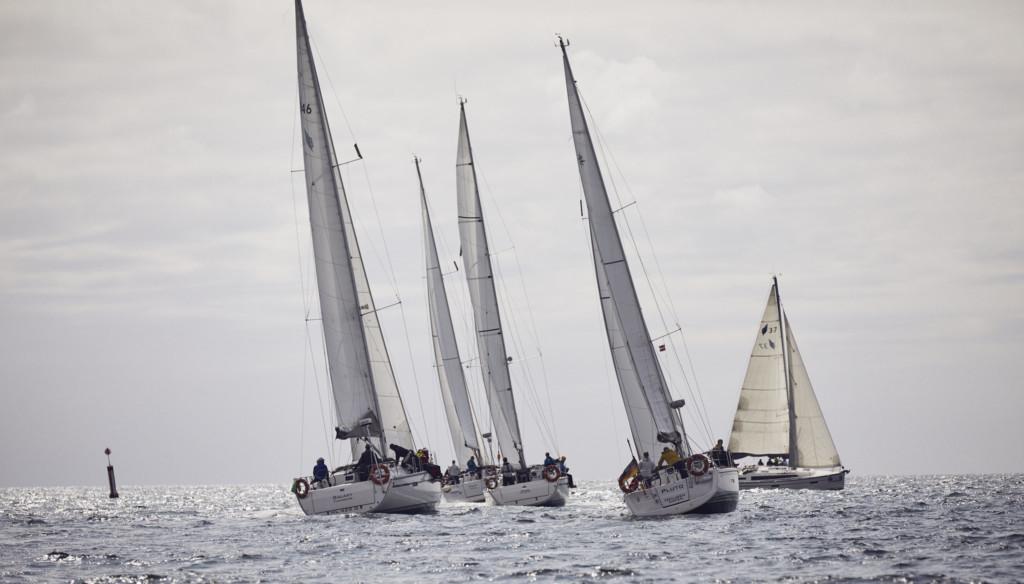 Segelyachten im Frühjahr auf der Ostsee