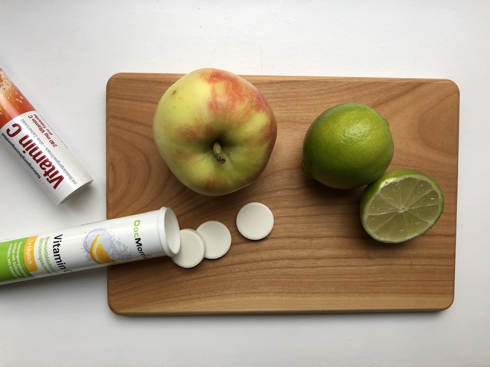 Seekrankheit beim Segeln vorbeugen: Vitamin C Tabletten und frisches Obst